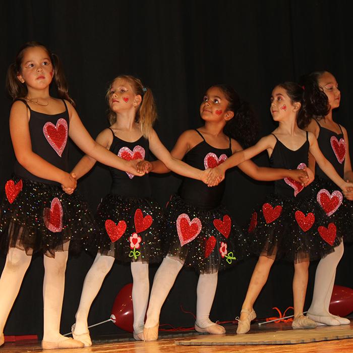 39d3ae914ff8 Clases de baile y teatro juvenil para niños - Syparyo